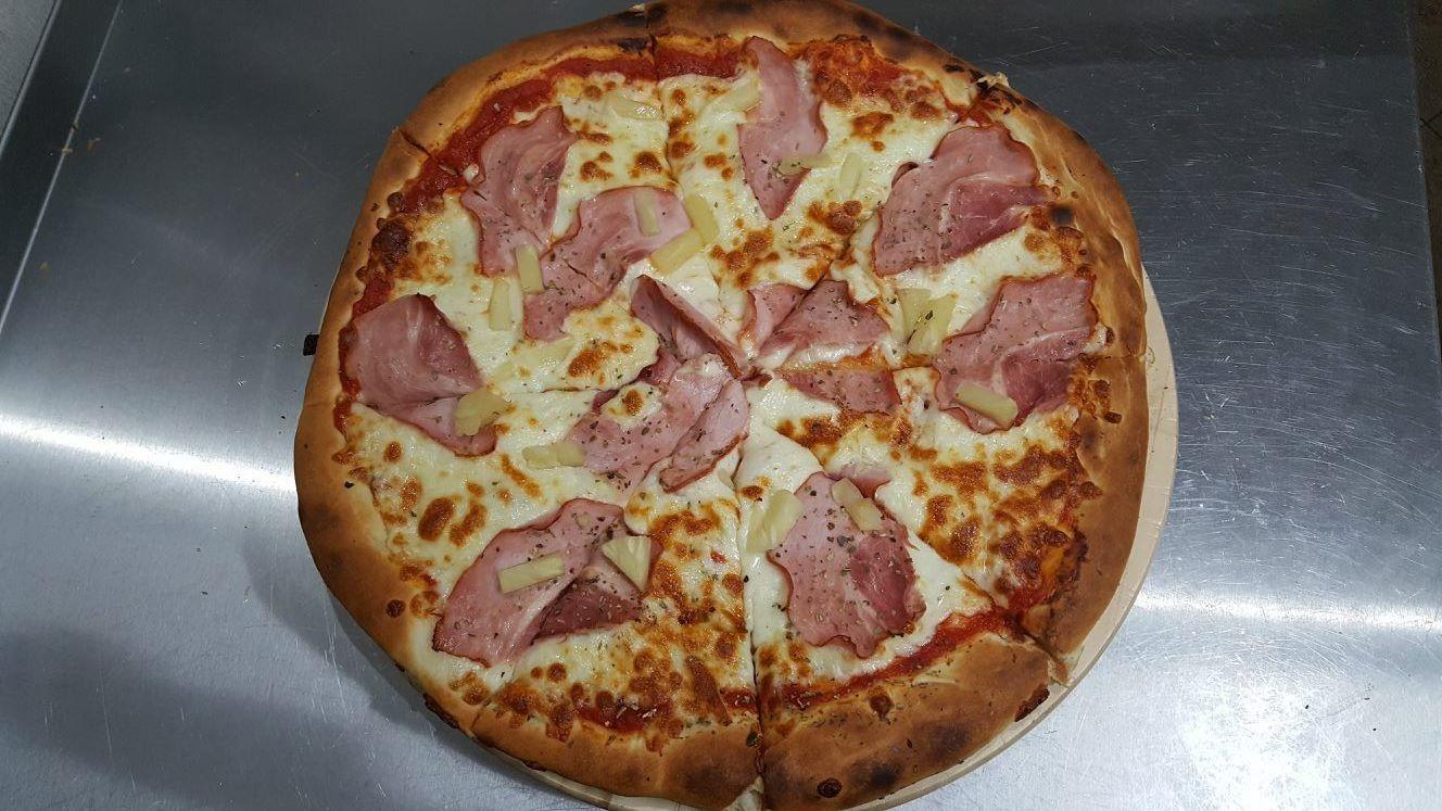 Pizza Hawaii - Zielona Oliwka Czastary