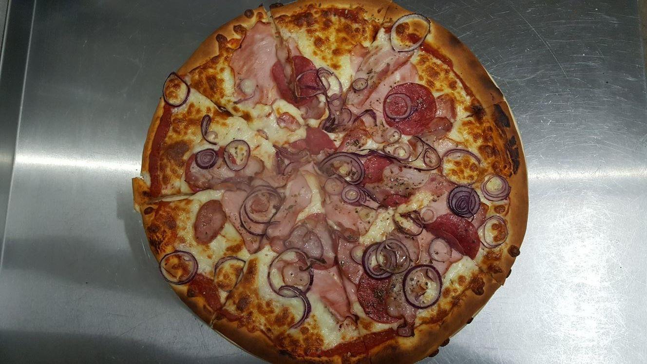 Pizza Rzeźnicka - Zielona Oliwka Czastary